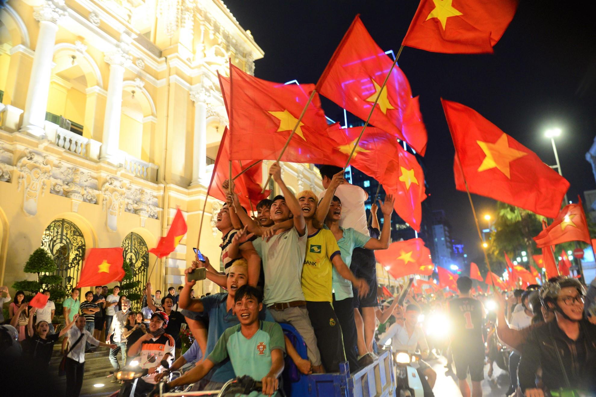 U23 Việt Nam vô địch trong tim cổ động viên dù chưa đá trận chung kết