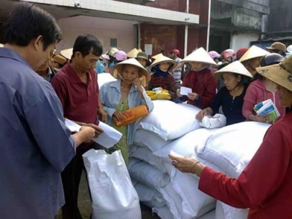 Xuất gạo cứu đói cho người dân Nghệ An mất mùa