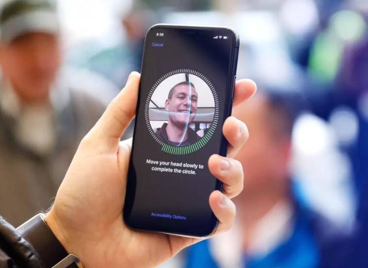 iPhone X bị tố gây đau đầu, mỏi mắt