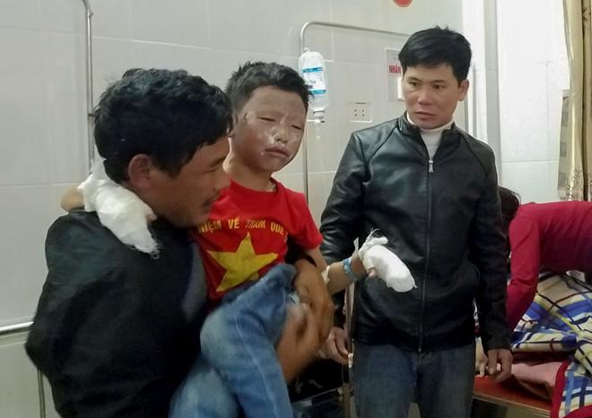 Nổ bình gas mini, 7 học sinh tiểu học nhập viện