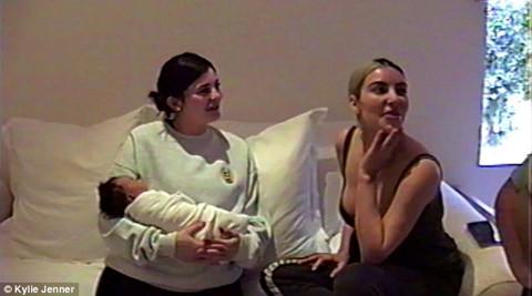 Kylie Jenner tung video sinh con sau 9 tháng giấu kín