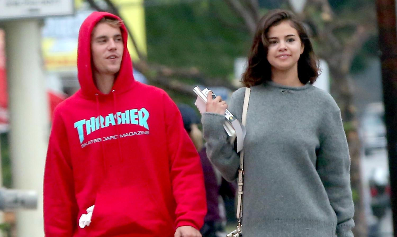 Justin Bieber và Selena Gomez bị bắt gặp bên nhau dịp Valentine