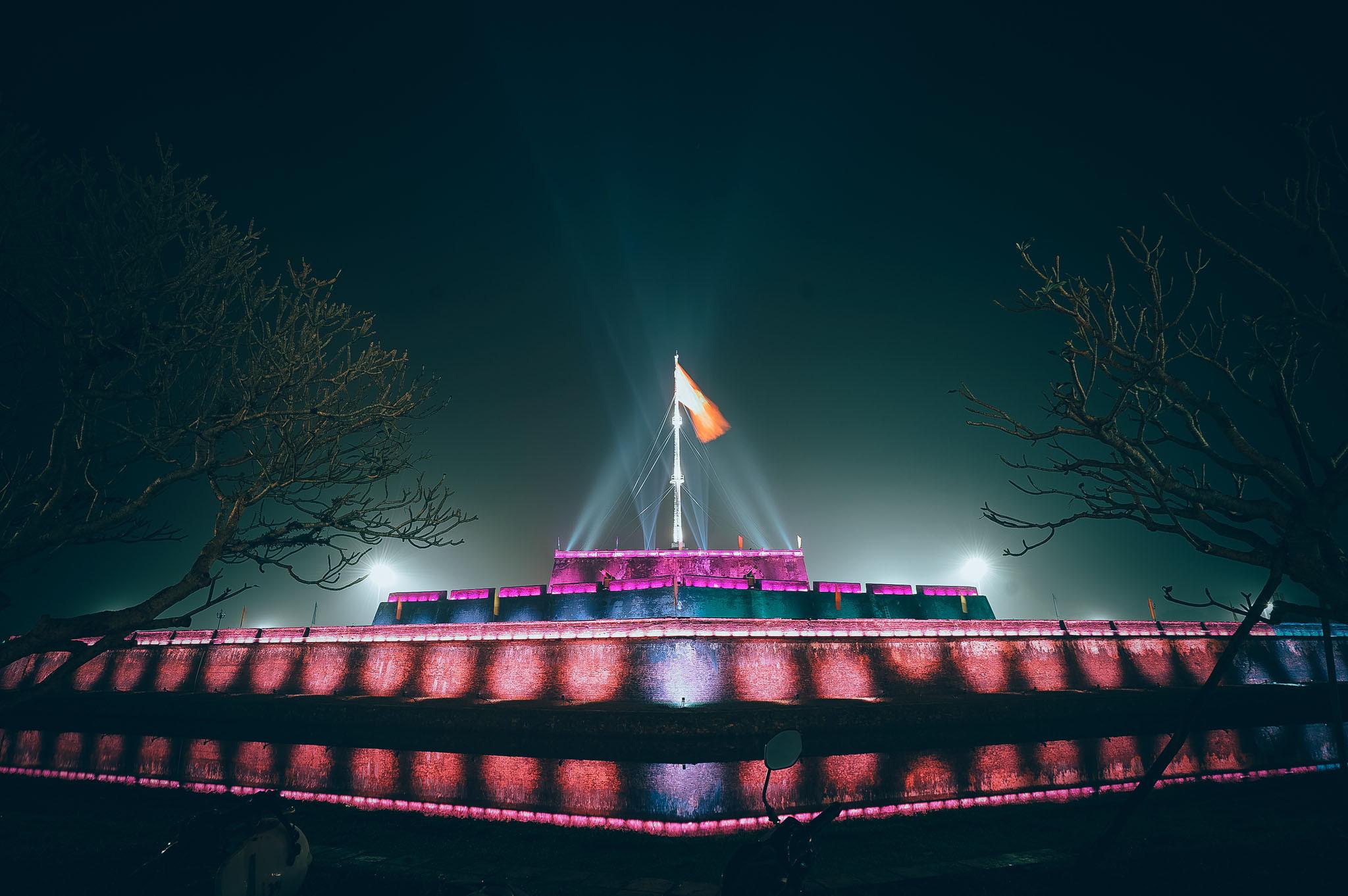 Thắp sáng Kỳ đài tại cố đô Huế bằng 1.000 bóng đèn LED