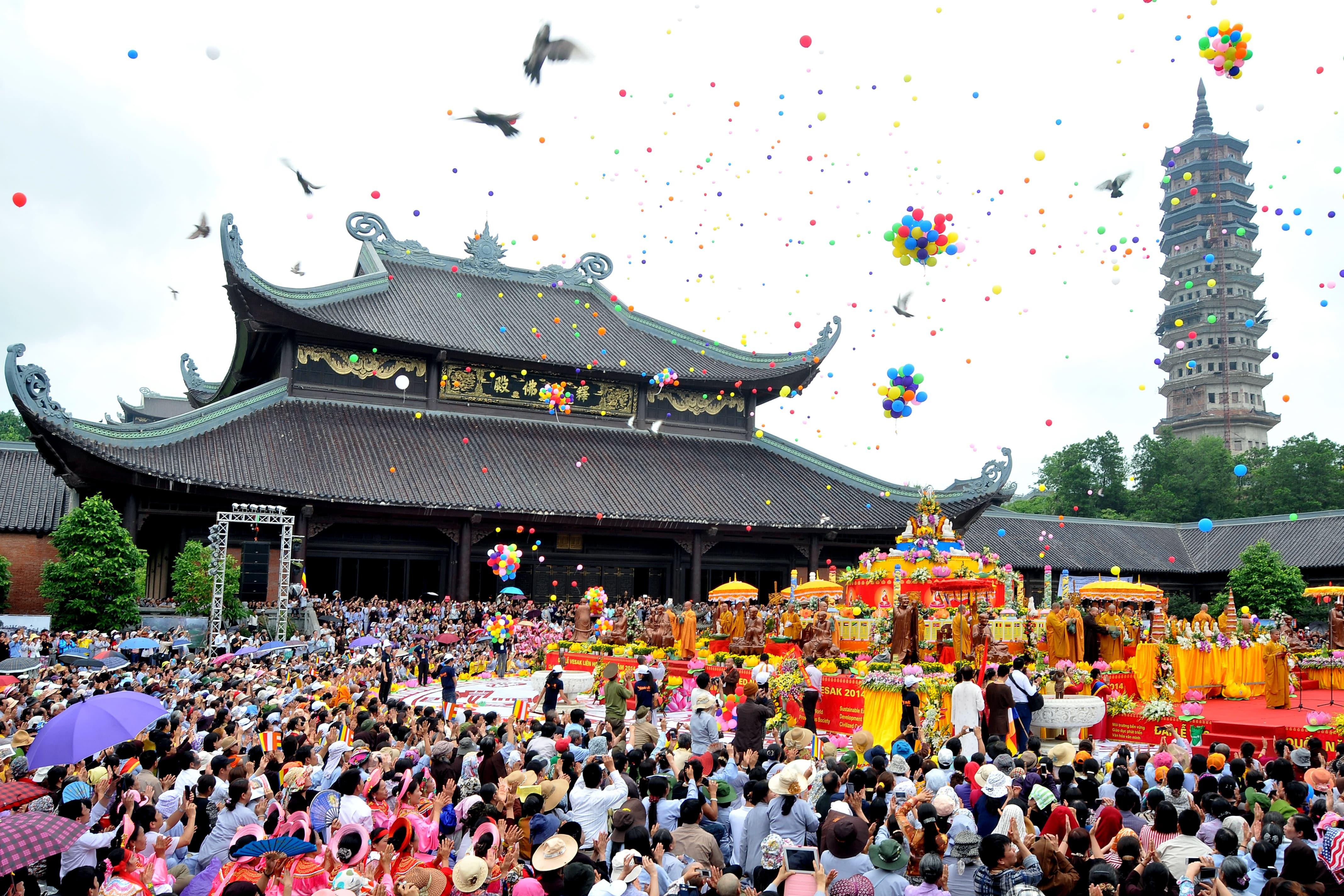 Những ngôi chùa đông khách nhất dịp đầu xuân