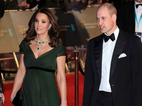 Công nương Kate Middleton bị chỉ trích vì không mặc đồ đen tại BAFTA