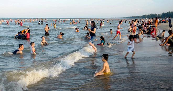 Tìm thấy thi thể 2 nạn nhân chết đuối trên biển Quảng Ngãi