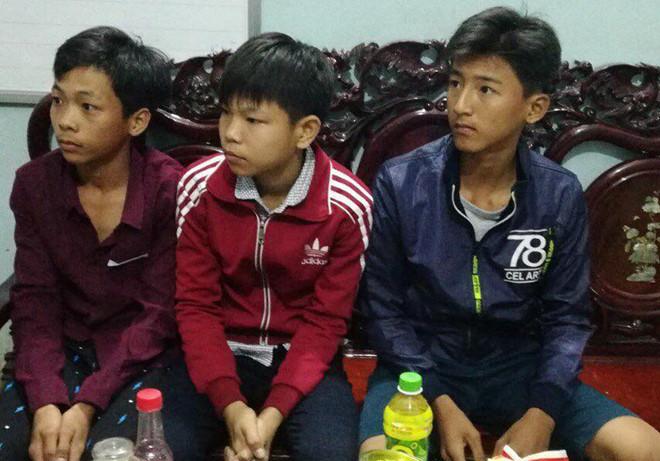 Ba học sinh giao công an 40 triệu nhặt được ở bến xe