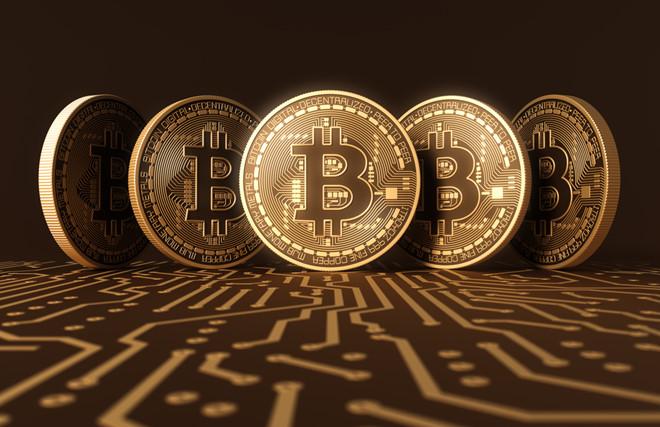 Bitcoin tăng gấp đôi giá trị sau khi chạm đáy