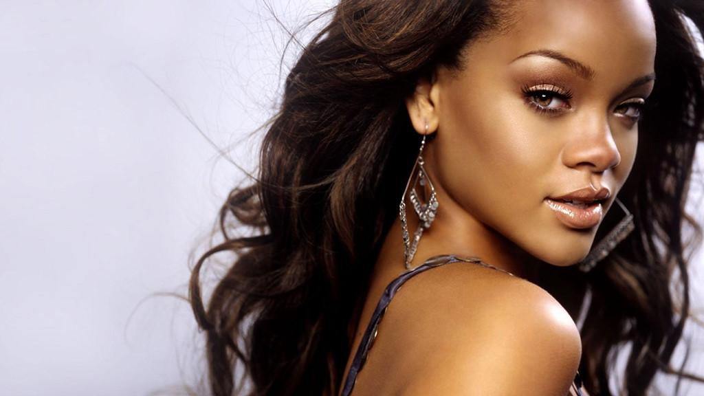 Rihanna tuổi 30: Viên kim cương ngỗ ngược của âm nhạc thế giới