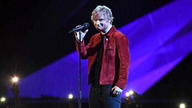 "Sau Grammy, Ed Sheeran tiếp tục bị ""ruồng rẫy"" tại giải Brit Awards"
