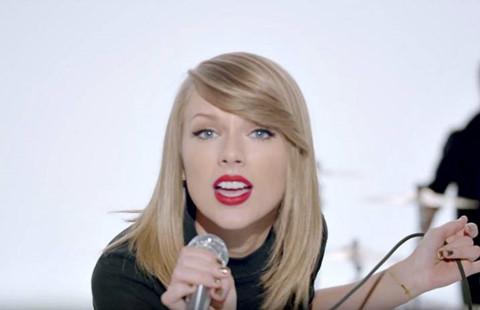 """Taylor Swift thắng kiện vụ """"Shake It Off"""" bị tố đạo lời"""