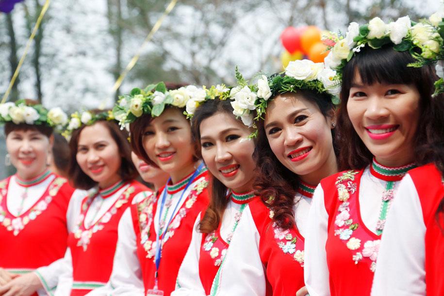 Lễ hội trưng bày hơn 1.600 cây hồng Bulgaria