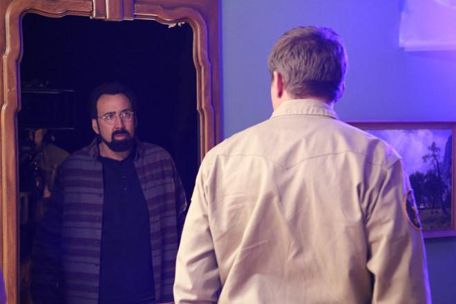 Nicolas Cage trở lại với phim cảnh báo nạn quay lén trong khách sạn