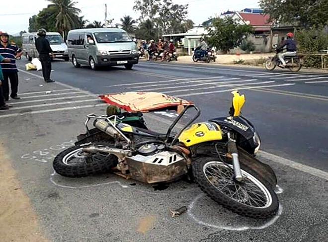 Truy tìm chiếc xe va chạm với môtô khiến phượt thủ tử vong