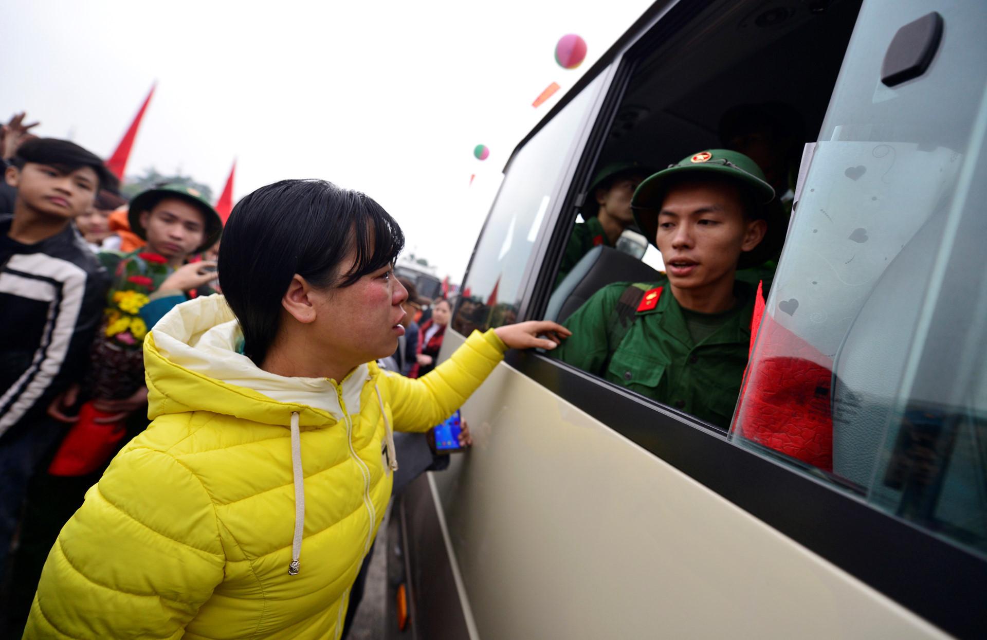 Gần 3.500 thanh niên Hà Nội lên đường nhập ngũ