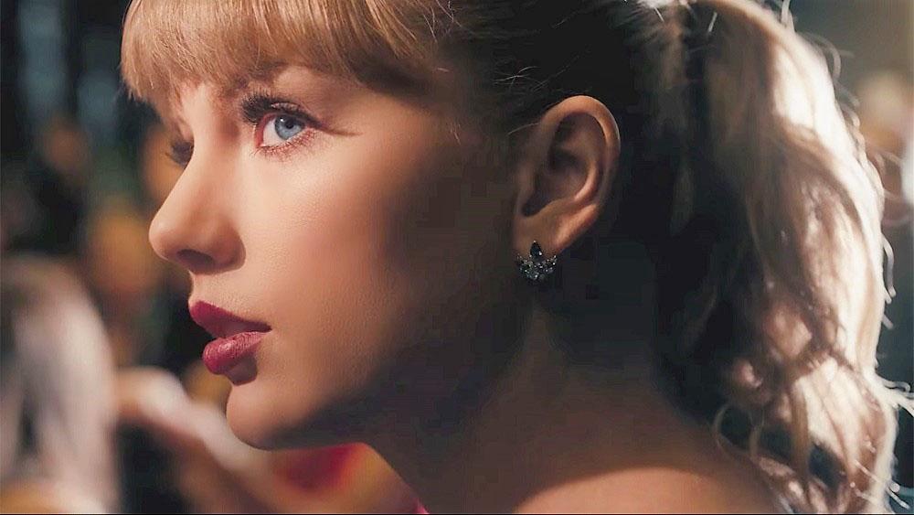 """Fan thích thú với vũ điệu """"điên loạn"""" của Taylor Swift trong MV mới"""