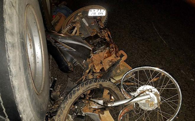 3 thanh niên tử vong, 2 người nguy kịch sau vụ 3 xe máy tông nhau