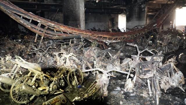 Hiện trường vụ cháy 13 người chết ở chung cư Carina Sài Gòn