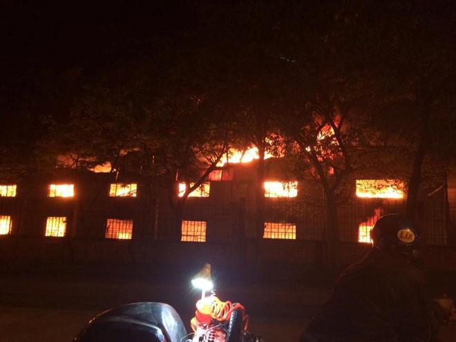 Cháy lớn tại công ty may Hàn Quốc ở Vĩnh Phúc