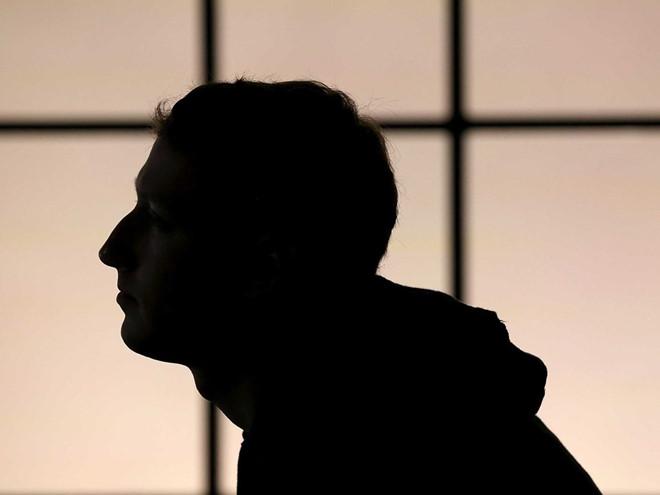 Mark Zuckerberg từ chối điều trần trực tiếp trước Nghị viện Anh