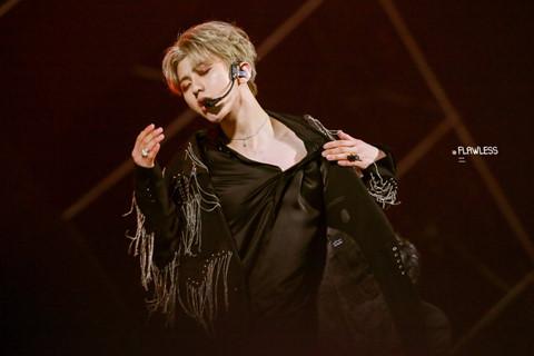 Vẻ đẹp phi giới tính của mỹ nam Idol nhận 47 triệu phiếu bình chọn