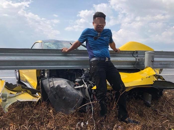 Chủ nhân siêu xe chụp hình đăng Facebook sau vụ tai nạn
