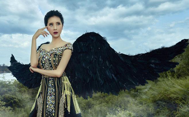 """Như Seven hóa """"Thiên thần màu đen"""", điểm nhấn độc đáo trong BST của NTK Tommy Nguyễn"""
