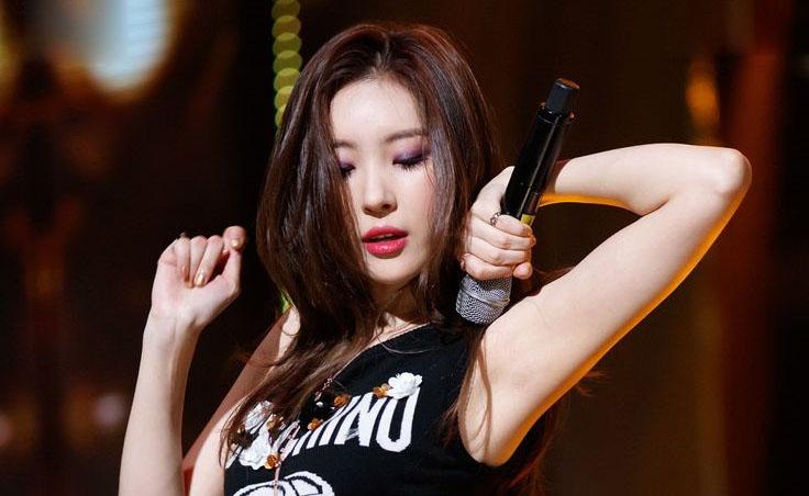 """6 """"nữ hoàng gợi cảm"""" qua các thời kỳ của Kpop"""