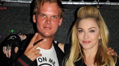 """Từ """"nữ hoàng"""" Madonna đến DJ Hardwell đều sốc khi Avicii qua đời"""