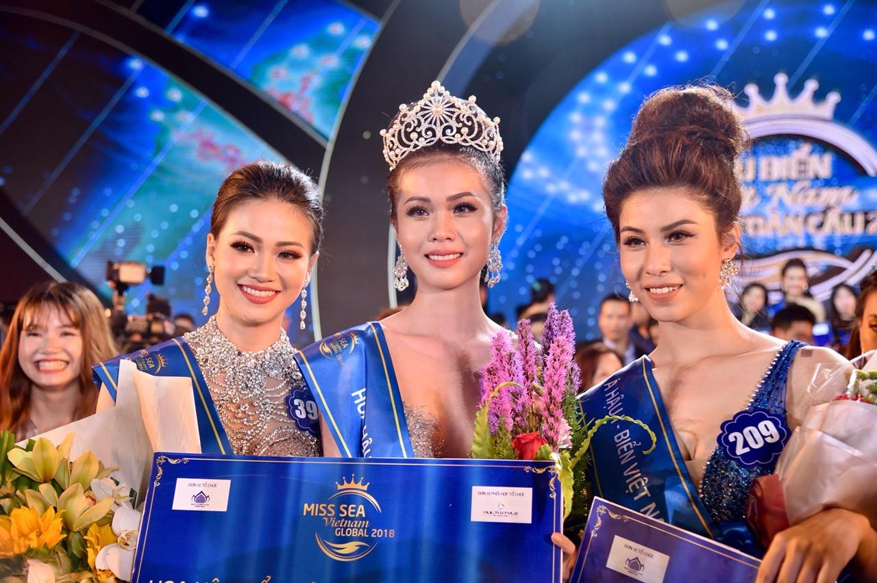 Chung kết Hoa hậu Biển Việt Nam: Cô gái Tiền Giang 19 tuổi lên ngôi