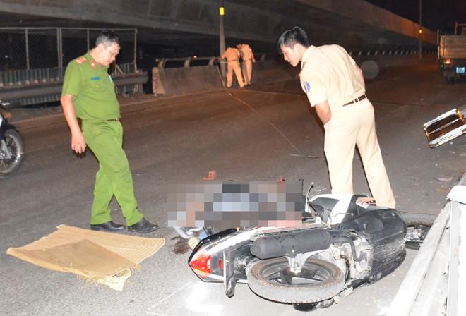 Tìm tài xế lái xe tải bỏ trốn sau tai nạn chết người ở Sài Gòn