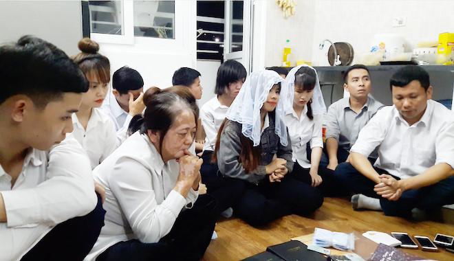 Khám căn hộ có 12 người nghi theo Hội Thánh Đức Chúa Trời