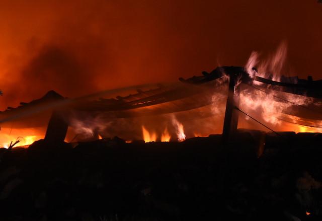 Kho hàng bị cháy ở Tiền Giang chứa 1.500 tấn bông, sợi