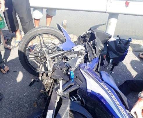 9X tử vong sau cú tông trực diện giữa 2 xe máy trên cầu