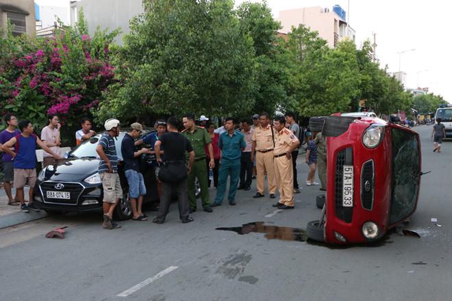 Nam thiếu niên lái ô tô gây tai nạn liên hoàn tại Sài Gòn