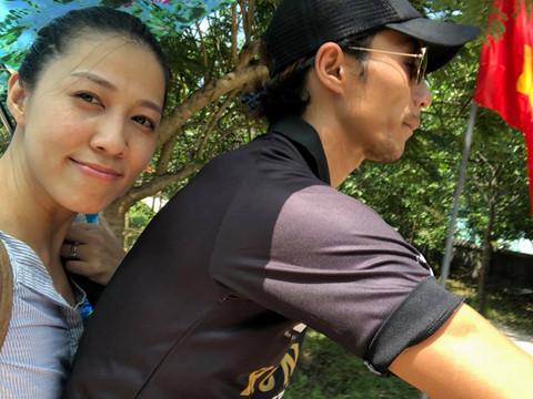Vợ chồng Phạm Anh Khoa đi chơi giữa ồn ào bị tố gạ tình Phạm Lịch