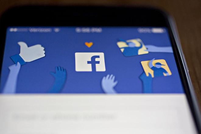 Không phải chuyện đùa, Facebook đang cân nhắc tung bản trả phí