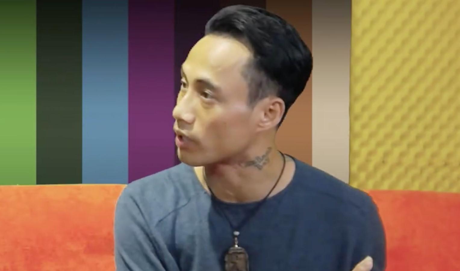 """Phạm Anh Khoa: """"Ở showbiz, vỗ mông nhau cũng là cách chào hỏi"""""""