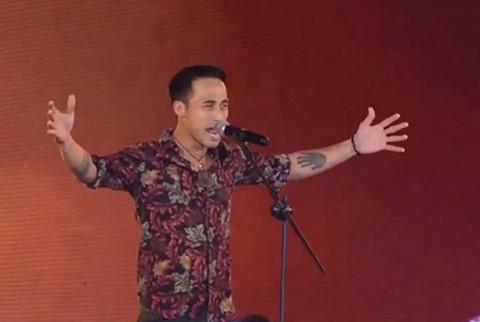 Phạm Anh Khoa vẫn lên sóng trực tiếp VTV sau khi xin lỗi vụ gạ tình