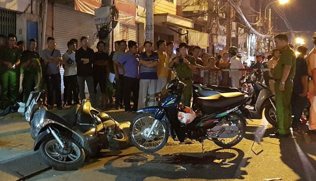 2 hiệp sĩ, 1 người dân ở Sài Gòn bị băng trộm SH đâm chết
