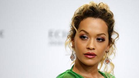 Rita Ora bị tố xem thường cộng đồng LGBT trong ca khúc mới