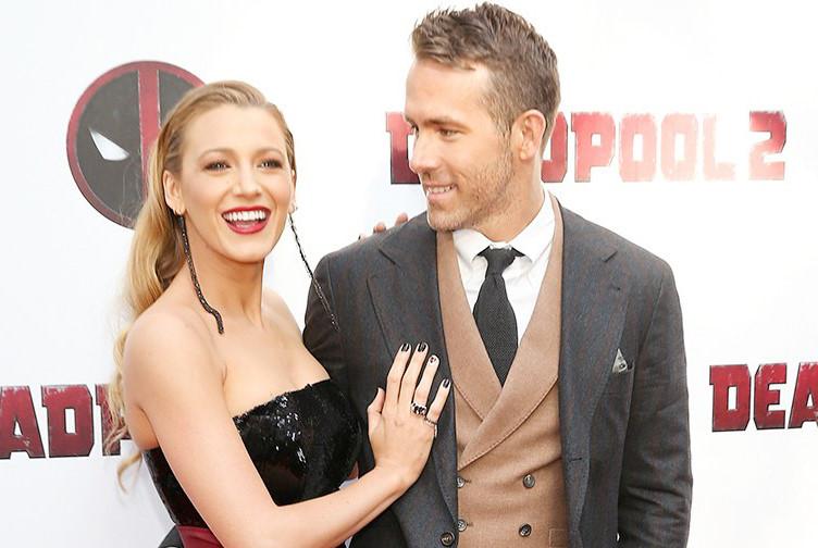 """Chuyện tình yêu đáng ngưỡng mộ của """"Deadpool"""" và cô vợ xinh đẹp"""