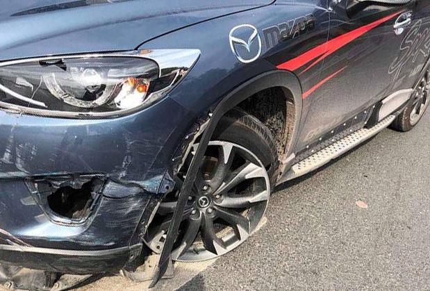 """Nhiều ô tô gặp nạn vì bẫy chông """"khủng"""" trên quốc lộ 18"""