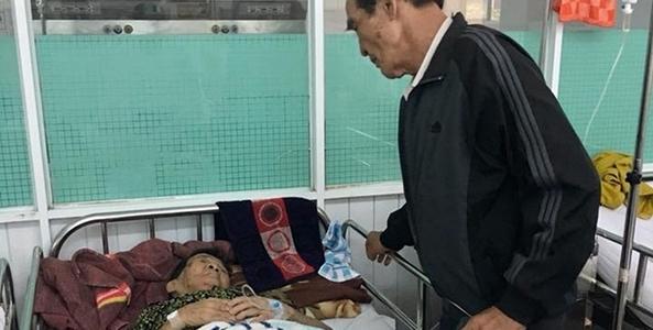 Ông ngoại 82 tuổi bắt xe 130km thăm chị gái