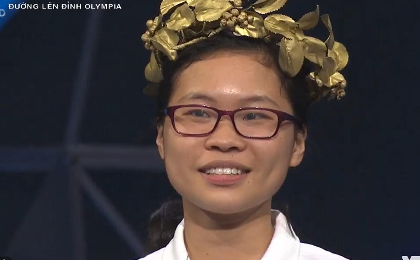 Nữ sinh trường Ams không có đối thủ về điểm số ở cuộc thi tuần Olympia