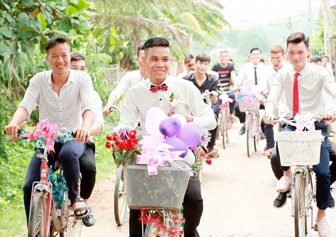 Chú rể Vĩnh Phúc rước dâu bằng xe đạp