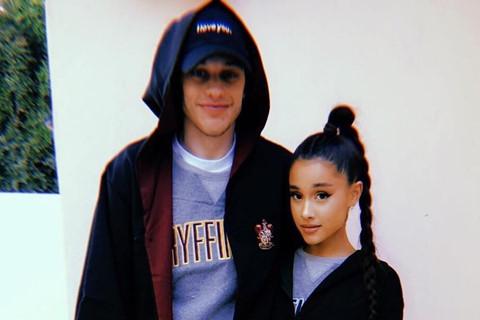 Ariana Grande đính hôn chớp nhoáng sau 10 ngày công khai hẹn hò