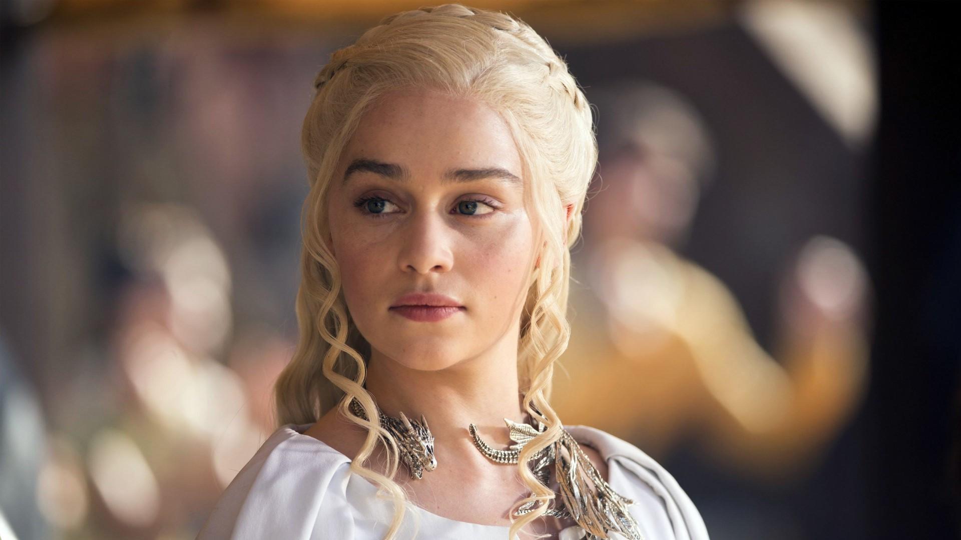 """""""Mẹ Rồng"""" Emilia Clarke chia tay cảm động với series """"Game of Thrones"""""""