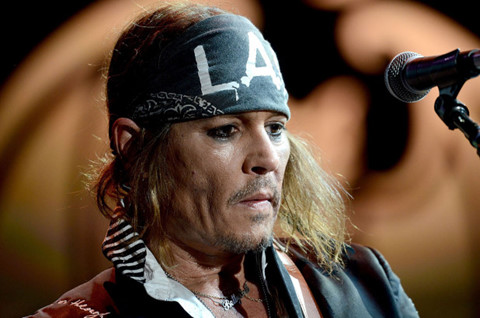 Johnny Depp trải lòng về thời gian đen tối, suy sụp đến mức muốn tự tử