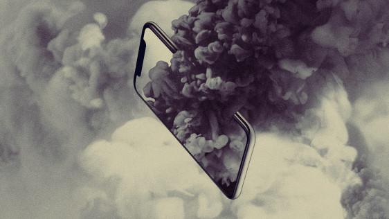 Mua smartphone, bạn đang tiếp tay huỷ diệt trái đất